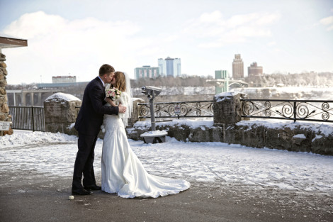 niagara falls wedding photography photography by shelly, winter weddings, destination wedding, niagara falls weddings, weddings at the falls, gts wedding photographer
